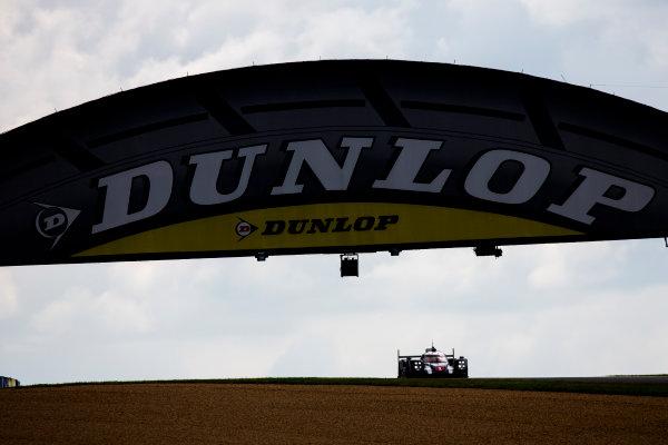 2016 Le Mans 24 Hours. Circuit de la Sarthe, Le Mans, France. Saturday 18 June 2016. Porsche Team / Porsche 919 Hybrid - Timo Bernhard (DEU), Mark Webber (AUS), Brendon Hartley (NZL).   World Copyright: Zak Mauger/LAT Photographic ref: Digital Image _79P7463