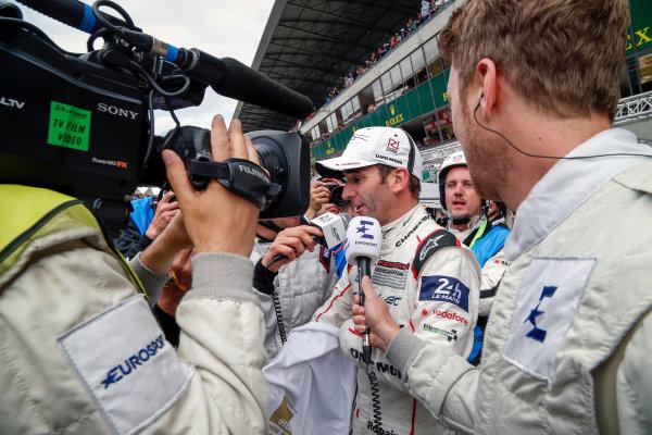 2016 Le Mans 24 Hours. Circuit de la Sarthe, Le Mans, France. Porsche Team / Porsche 919 Hybrid - Romain Dumas (FRA), Neel Jani (CHE), Marc Lieb (DEU).  Sunday 19 June 2016 Photo: Adam Warner / LAT ref: Digital Image _L5R7625