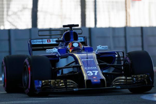 Yas Marina Circuit, Abu Dhabi, United Arab Emirates. Wednesday 29 November 2017. Charles Leclerc, Sauber C36 Ferrari.  World Copyright: Zak Mauger/LAT Images  ref: Digital Image _56I6306