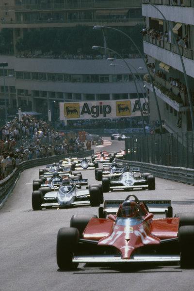 Monte Carlo, Monaco. 28-31 May 1981.Gilles Villeneuve (Ferrari 126CK) 1st position, leads the field through Beau Rivage, action.World Copyright: LAT Photographic