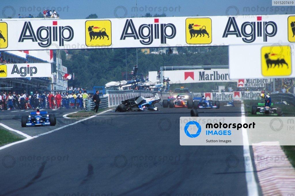 Ukyo Katayama (JPN) Tyrrell Yamaha 023, Crashes at the start of the race. Portugese Grand Prix, Rd13, Estoril, Portugal. 24 September 1995.