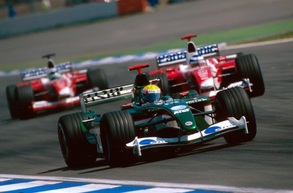 Mark Webber (AUS) Jaguar R4 went off on the last lap.