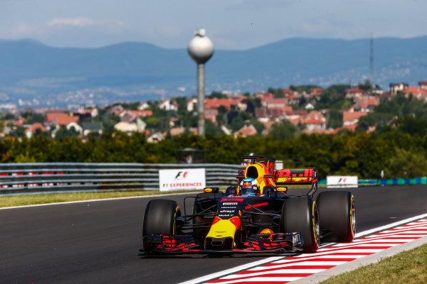 Hungaroring, Budapest, Hungary.  Friday 28 July 2017. Daniel Ricciardo, Red Bull Racing RB13 TAG Heuer. World Copyright: Andy Hone/LAT Images  ref: Digital Image _ONY9355