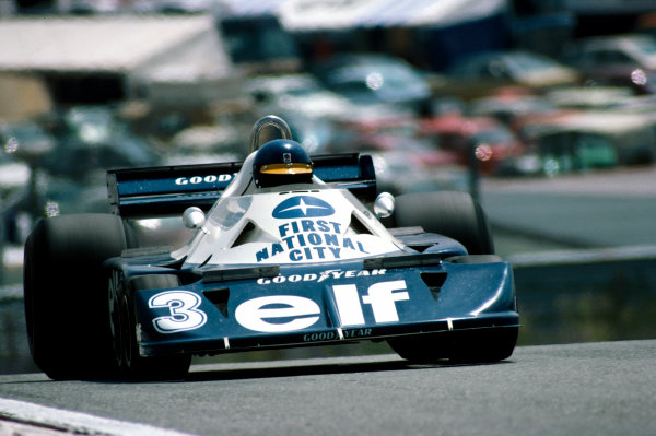 Jarama, Madrid, Spain. 6th-8th May 1977. Ronnie Peterson (Tyrrell P34-Ford), 8th position, action.  World Copyright: LAT Photographic. Ref:  77ESP31