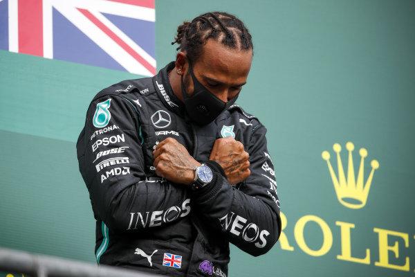 Race Winner Lewis Hamilton, Mercedes-AMG Petronas F1 celebrate on the podium