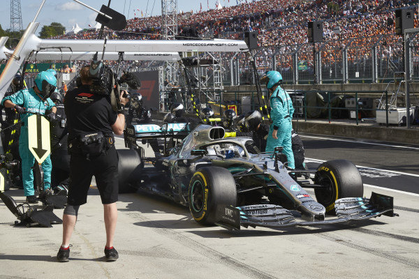 Valtteri Bottas, Mercedes AMG W10, makes a pit stop