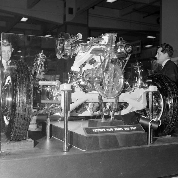 Triumph 1300 engine/suspension