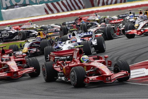 Felipe Massa, Ferrari F2008 leads Kimi Räikkönen, Ferrari F2008 and Robert Kubica, BMW Sauber F1.08.