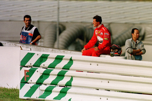 Japanese Grand Prix.Suzuka, Japan.30/10-1/11 1998.Michael Schumacher (Ferrari) after retiring.World Copyright - Photo 4/LAT Photographic
