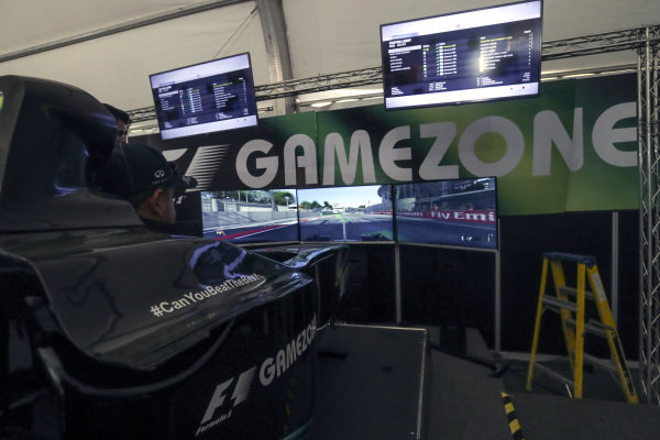 Fans in the Gamezone at Formula One World Championship, Rd19, Mexican Grand Prix, Qualifying, Circuit Hermanos Rodriguez, Mexico City, Mexico, Saturday 29 October 2016.