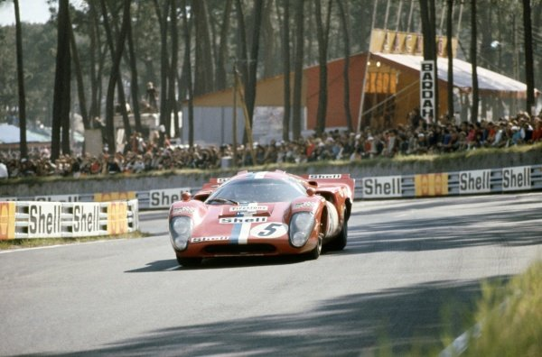 1971 Le Mans 24 hours. Le Mans, France. 12-13 June 1971. Teddy Pilette/Gustave Gosselin (Lola T70 Mk3B-Chevrolet), retired. World Copyright: LAT Photographic Ref: 71LM19