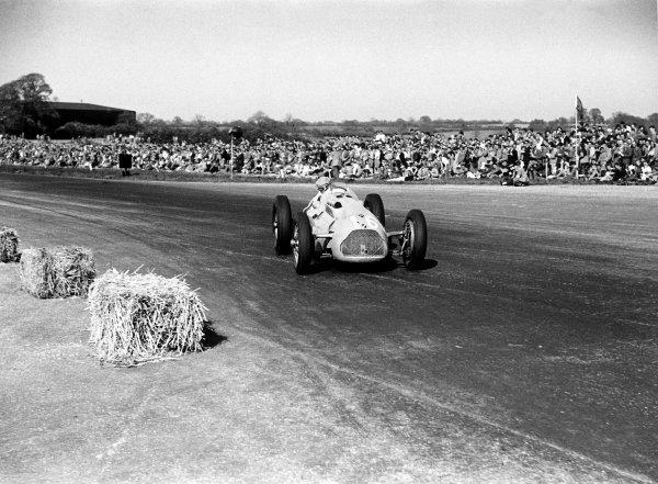 1950 British Grand Prix.Silverstone, Great Britain. 13th May 1950.Philippe Etancelin (Lago-Talbot T26C), 8th position.World Copyright: LAT Photographic.ref: 50/14/31