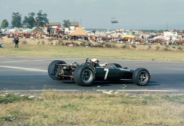 1967 United States Grand Prix.Watkins Glen, New York, USA.30/9-1/10 1967.Jackie Stewart (BRM P115).Ref-35mm 67 USA 27.World Copyright - LAT Photographic