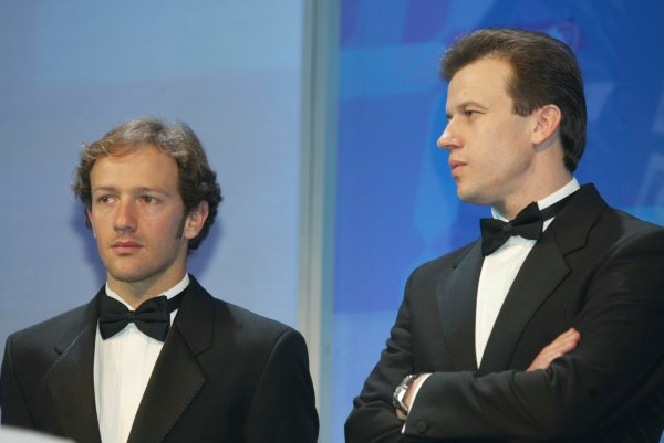 2003 AUTOSPORT AWARDS, The Grosvenor, London. 7th December 2003.Toyota F1 drivers, Cristiano Da Matta and Olivier Panis present the Paul Warwick trophy.Photo: Peter Spinney/LAT PhotographicRef: Digital Image only