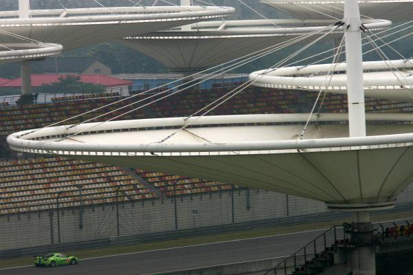 Shanghai, China. 25th - 27th October 2012. Tracy Krohn (USA)/Niclas Jonsson (SWE)/Michele Rugolo (ITA) Krohn Racing Ferrari F458 Italia. World Copyright: Ebrey/LAT Photographic.