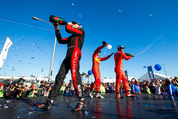2015/2016 FIA Formula E Championship. Long Beach ePrix, Long Beach, California, United States of America. Sunday 3 April 2016. Stephane Sarrazin (FRA), Venturi VM200-FE-01, Daniel Abt (GER), ABT Audi Sport FE01, Lucas Di Grassi (BRA), ABT Audi Sport FE01. Photo: Zak Mauger/LAT/Formula E ref: Digital Image _L0U1788
