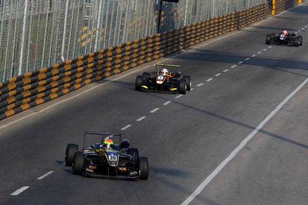2015 Macau Formula 3 Grand Prix Circuit de Guia, Macau, China 18th - 22nd November 2015 Alexander Sims (GBR) Double R Racing Dallara Mercedes World Copyright: XPB Images/LAT Photographic ref: Digital Image 2015-Macau-F3-AT2-3580