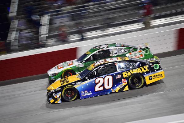 #20: Christopher Bell, Joe Gibbs Racing, Toyota Camry DEWALT Salute First Responders, #4: Kevin Harvick, Stewart-Haas Racing, Ford Mustang Hunt Brothers Pizza