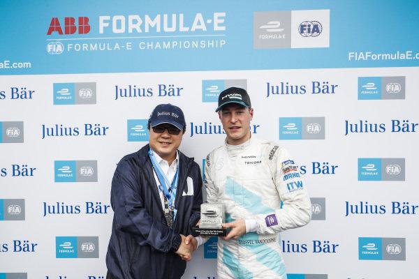 Stoffel Vandoorne (BEL), HWA Racelab, VFE-05 on pole position