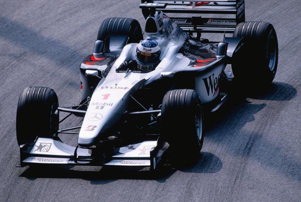 2000 Monaco Grand Prix.Monte Carlo, Monaco. 1-4 June 2000.Mika Hakkinen (McLaren MP4/15 Mercedes) 6th position.Ref-2K MON 74.World Copyright - Lorenzo Bellanca/LAT Photographic