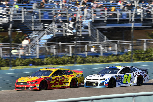 #22: Joey Logano, Team Penske, Ford Mustang Shell Pennzoil and #24: William Byron, Hendrick Motorsports, Chevrolet Camaro Axalta Flames of Independence