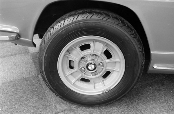 Alloy wheel design on the BMW 2800 GTS coupe concept.