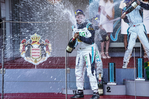 Cacá Bueno (BRA), Jaguar Brazil Racing celebrates victory on the podium