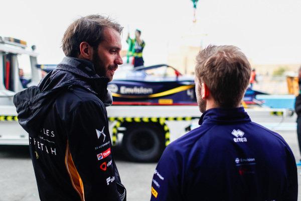 Jean-Eric Vergne (FRA), DS TECHEETAH, talks to Sam Bird (GBR), Envision Virgin Racing