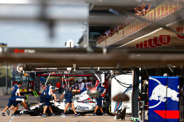 Circuit of the Americas, Austin, Texas, United States of America. Saturday 21 October 2017. Lance Stroll, Williams FW40 Mercedes, returns to the pits. World Copyright: Glenn Dunbar/LAT Images  ref: Digital Image _X4I0016
