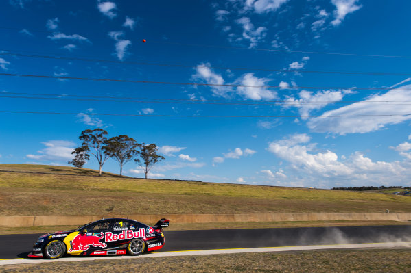 2015 V8 Supercars Round 8. Sydney Motorsport Park Super Sprint, Eastern Creek, New South Wales, Australia. Friday 21st August - Sunday 23rd August 2015. Jamie Whincup drives the #1 Red Bull Racing Australia Holden VF Commodore. World Copyright: Daniel Kalisz/LAT Photographic Ref: Digital Image V8SCR8_SMSP_DKIMG2415.JPG
