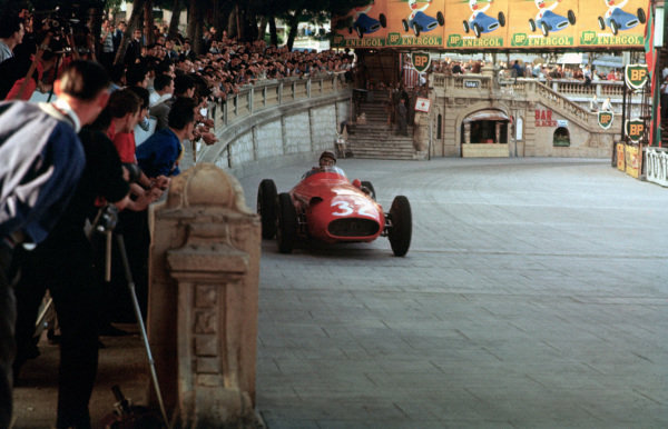 Monte Carlo, Monaco. 19th May 1957.Juan Manuel Fangio (Maserati 250F), 1st position, action. World copyright: LAT PhotographicRef: 57MON28.