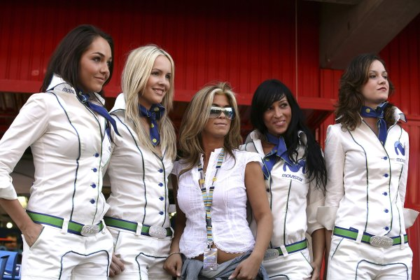 2006 Spanish Grand Prix - Friday Practice Circuit de Catalunya, Barcelona, Spain. 11th - 14th May 2006 Telefonica Movistar grid girls, glamour. World Copyright: Charles Coates/LAT Photographic ref: Digital Image ZK5Y4889