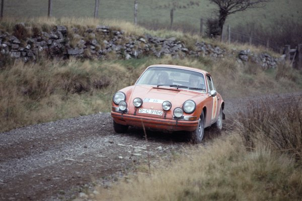 1968 RAC Rally. Great Britain. November 1968. Vic Elford/Terry Harryman (Porsche 911T), retired. World Copyright: LAT Photographic Ref: 35mm transparency 68RALLY03
