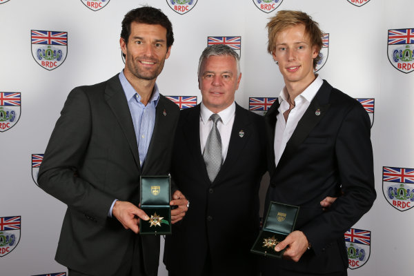 2015 British Racing Drivers Club Awards Grand Connaught Rooms, London Monday 7th December 2015 Mark Webber and Brendon Hartley, celebrate the Special Gold Star awards with Derek Warwick. World Copyright: Jakob Ebrey/LAT Photographic ref: Digital Image WebberHartleyGoldStars-02