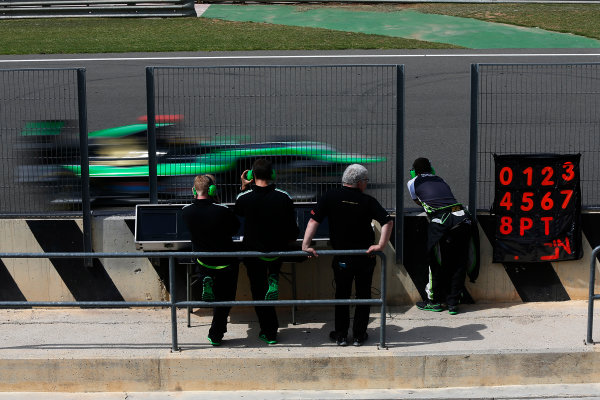 2015 GP3 Series Test 2 - Circuit Ricardo Tormo, Valencia, Spain. Friday 10 April 2015. Sandy Stuvik (THA, Status Grand Prix), drives past his team on the pit wall Photo: Sam Bloxham/GP3 Series Media Service. ref: Digital Image _SBL5232