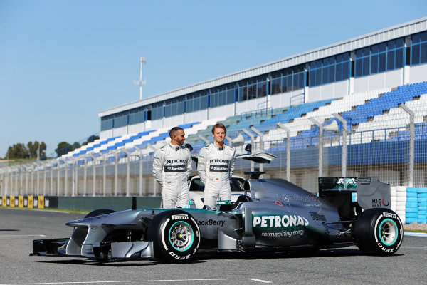 (L to R): Lewis Hamilton (GBR) Mercedes AMG F1 and Nico Rosberg (GER) Mercedes AMG F1 with the new Mercedes AMG F1 W04. Mercedes AMG F1 W04 Launch, Jerez, Spain, Monday 4 February 2013.