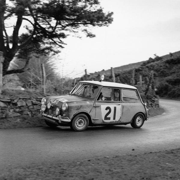 England. 12th - 16th november 1963.Paddy Hopkirk/Henry Liddon, Mini-Cooper S, 4th position overall, action.World Copyright: LAT Photographic.Ref:
