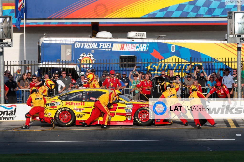Monster Energy NASCAR Cup Series Monster Energy NASCAR All-Star Race Charlotte Motor Speedway, Concord, NC USA Friday 19 May 2017 Joey Logano, Team Penske, Shell Pennzoil Ford Fusion World Copyright: Matthew T. Thacker LAT Images ref: Digital Image 17CLT1mt1433