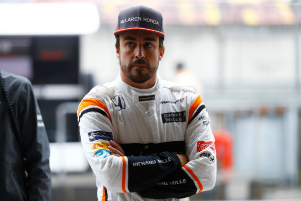 Shanghai International Circuit, Shanghai, China.  Friday 07 April 2017. Fernando Alonso, McLaren. World Copyright: Steven Tee/LAT Images ref: Digital Image _R3I2589
