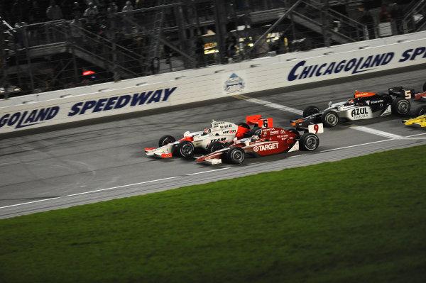 Ryan Briscoe (AUS) Team Penske crosses the line mere inches ahead of Scott Dixon (NZL) Target Ganassi Racing. IndyCar Series, Rd15, Peak Anti Freeze 300, Chicagoland Speedway, Joliet, Illinois, USA, 29-30 August 2009.