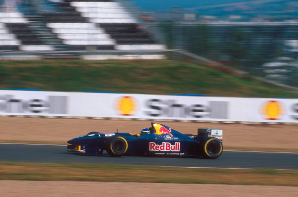 Nurburgring, Germany.29/9-1/10 1995.Jean-Christophe Boullion (Sauber C14 Ford). He spun out of the race.Ref-95 EUR 10.World Copyright - LAT Photographic