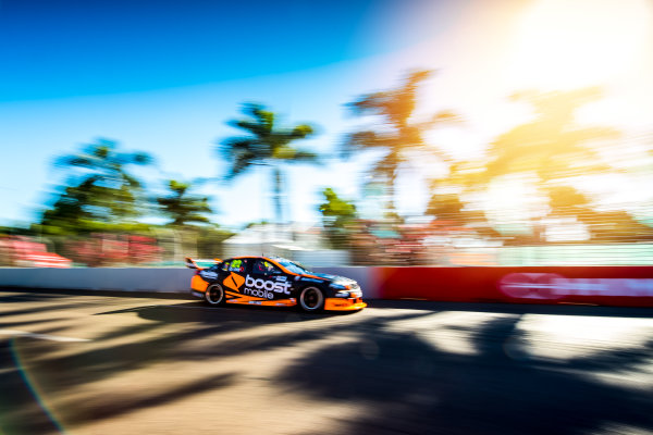 2017 Supercars Championship Round 7.  Townsville 400, Reid Park, Townsville, Queensland, Australia. Friday 7th July to Sunday 9th July 2017. James Courtney drives the #22 Mobil 1 HSV Racing Holden Commodore VF. World Copyright: Daniel Kalisz/ LAT Images Ref: Digital Image 070717_VASCR7_DKIMG_1994.jpg