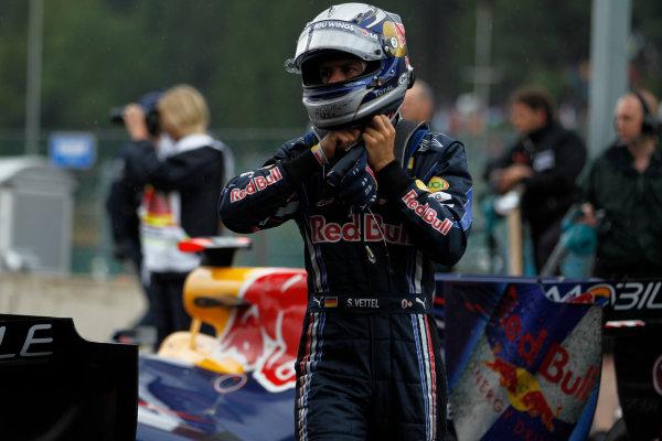 Spa-Francorchamps, Spa, Belgium29th August 2010Sebastian Vettel, Red Bull Racing RB6 Renault, 15th position, in Parc Ferme. Portrait. Helmets. Finish.World Copyright: Steven Tee/LAT Photographicref: Digital Image _A8C9679