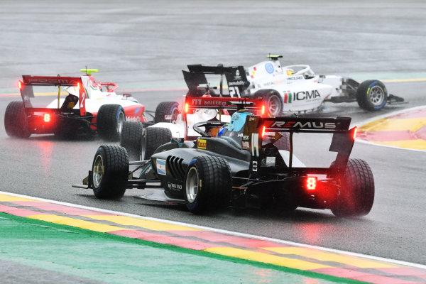 Matteo Nannini (ITA, HWA RACELAB) chases a pack of cars including Arthur Leclerc (MCO, PREMA RACING) and Lorenzo Colombo (HUN, CAMPOS RACING)