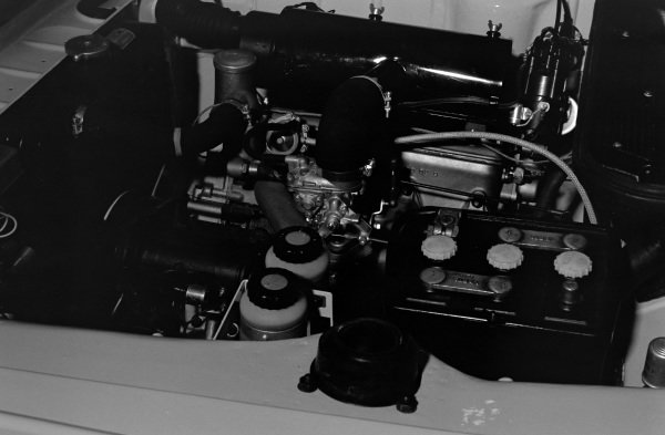 BMW 1502 engine