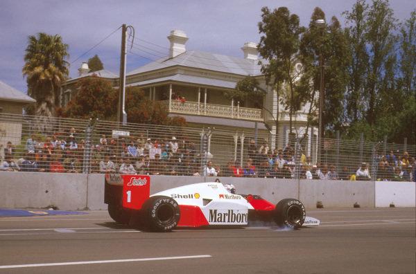 Adelaide, Australia.24-26 October 1986.Alain Prost (McLaren MP4/2C TAG Porsche) 1st position, gets locked up.Ref-86 AUS 17.World Copyright - LAT Photographic