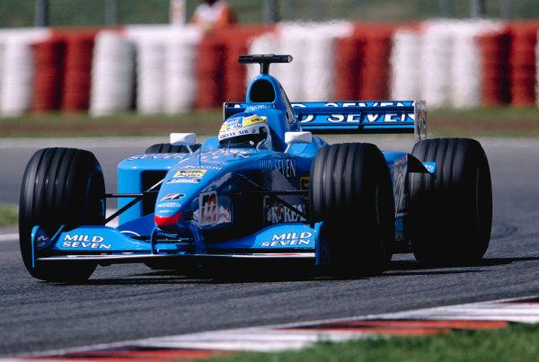 2000 Spanish Grand Prix.Catalunya, Barcelona, Spain. 5-7 May 2000.Giancarlo Fisichella (Benetton B200 Playlife) 7th position.Ref-2K ESP 74.World Copyright - Gavin Lawrence/LAT Photographic