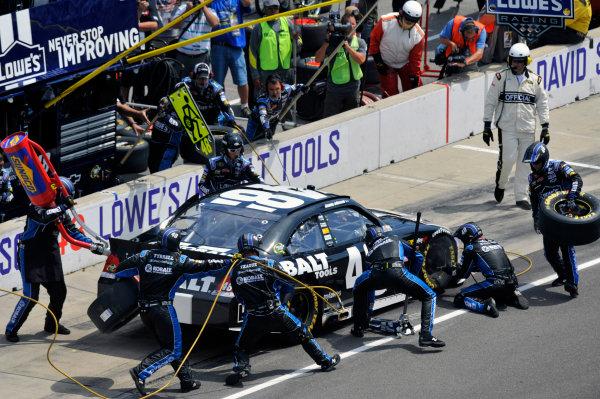 28-29 July, 2012, Indianapolis, Indiana USAJimmie Johnson pit stop(c)2012, LAT SouthLAT Photo USA