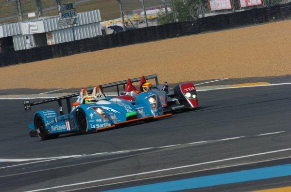 2007 Le Mans Test Day2nd and 3rd June 2007.Le Mans, France.Sunday Test DayFrank Biela (DEU)/Emanuele Pirro (ITA)/Marco Werner (DEU) (no 1 Audi R10 TDI) taps Harold Primat (CHE)/Christophe Tinseau (FRA)/Bruno Treluyer (JPN) (no 17 Pescarolo Judd) into a spin, action.World Copyright: Jeff Bloxham/LAT Photographic. ref: Digital Image DSC_6922