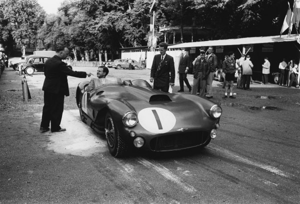 Le Mans, France. 11th - 12th June 1955 Reg Parnell/Dennis Poore (Lagonda DP166), retired, in scruitineering, action. World Copyright: LAT Photographic Ref: 5682C - 17A.